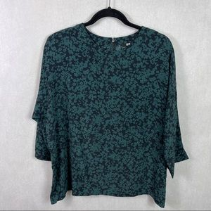 Uniqlo Floral Top Green Black 3/4 Sleeve Large
